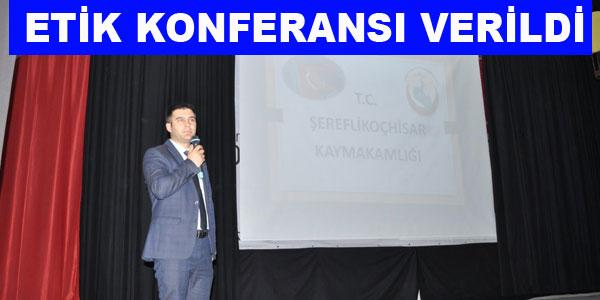Konferansı Murat Turan verdi