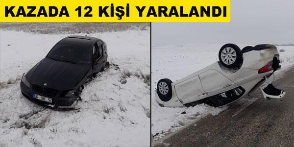Çift taraflı kazada 12 kişi yaralandı