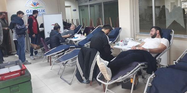 Gençlik Merkezinde Kan bağışı kampanyası