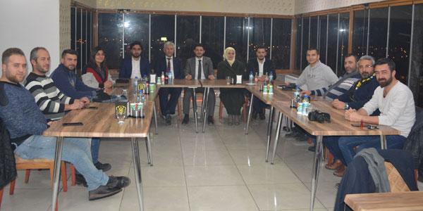 Seyhan ve Çelik Gazeteciler Gününü kutladı