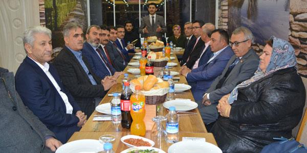 Aday adayları ile istişare toplantısı